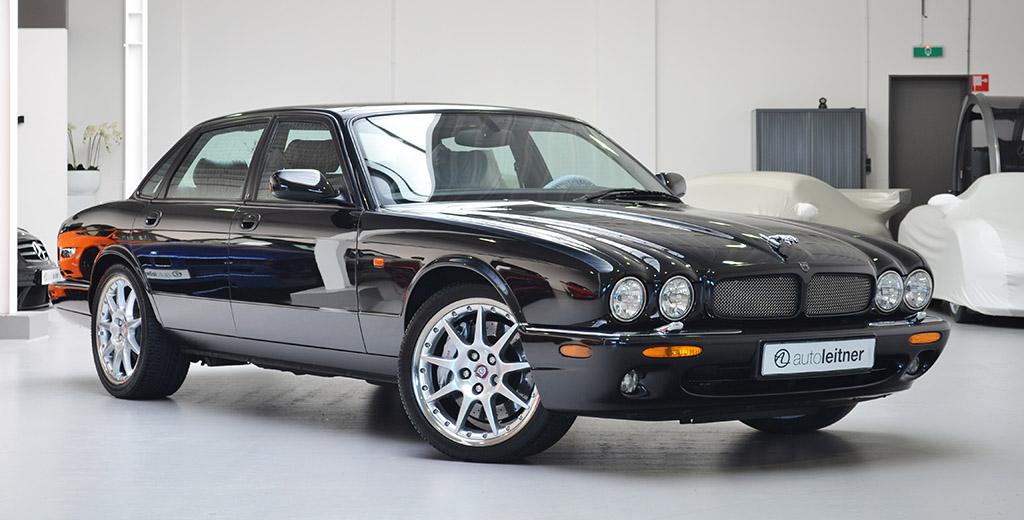 Jaguar XJR III (X350) 2003 - 2007 Sedan #1