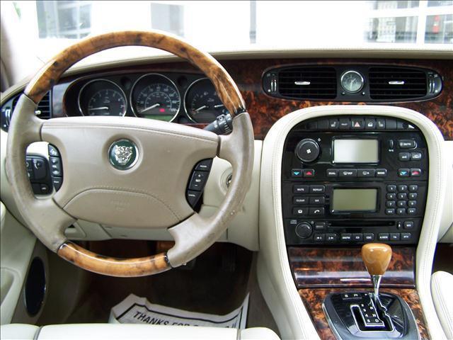Jaguar XJR III (X350) 2003 - 2007 Sedan #5