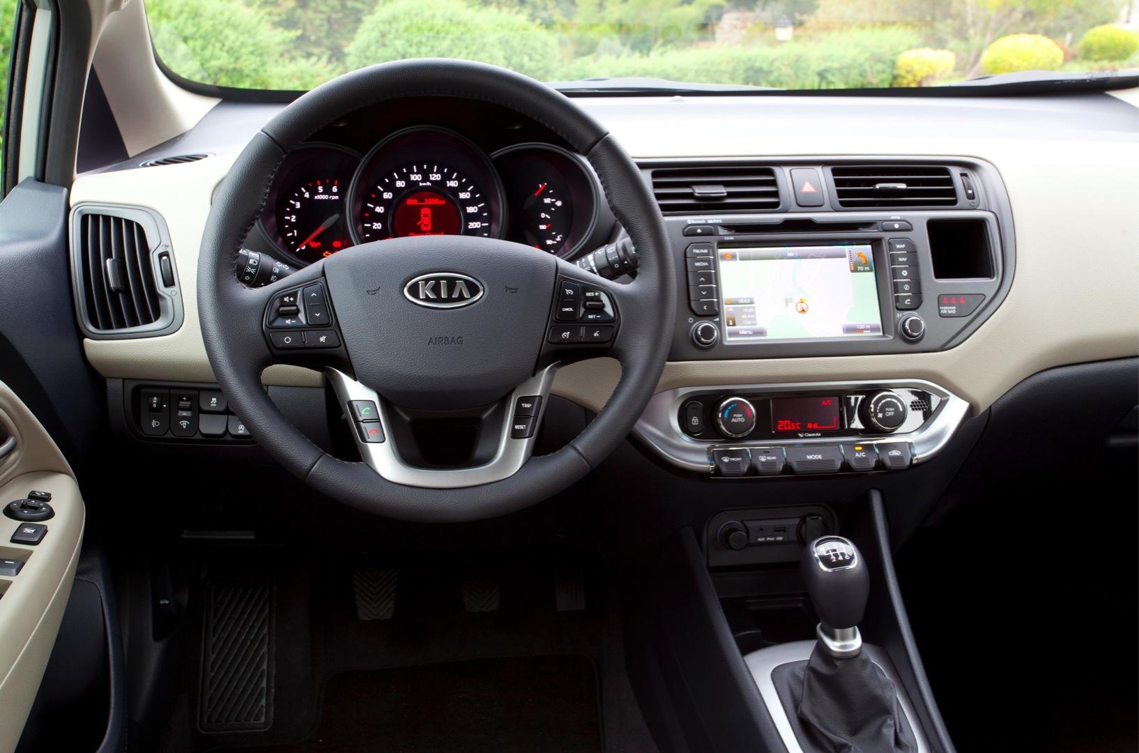 Kia Rio III 2011 - 2015 Hatchback 5 door #8