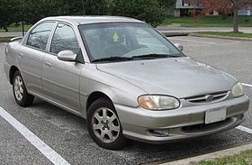 Kia Sephia I Restyling 1994 - 1998 Hatchback 5 door #3