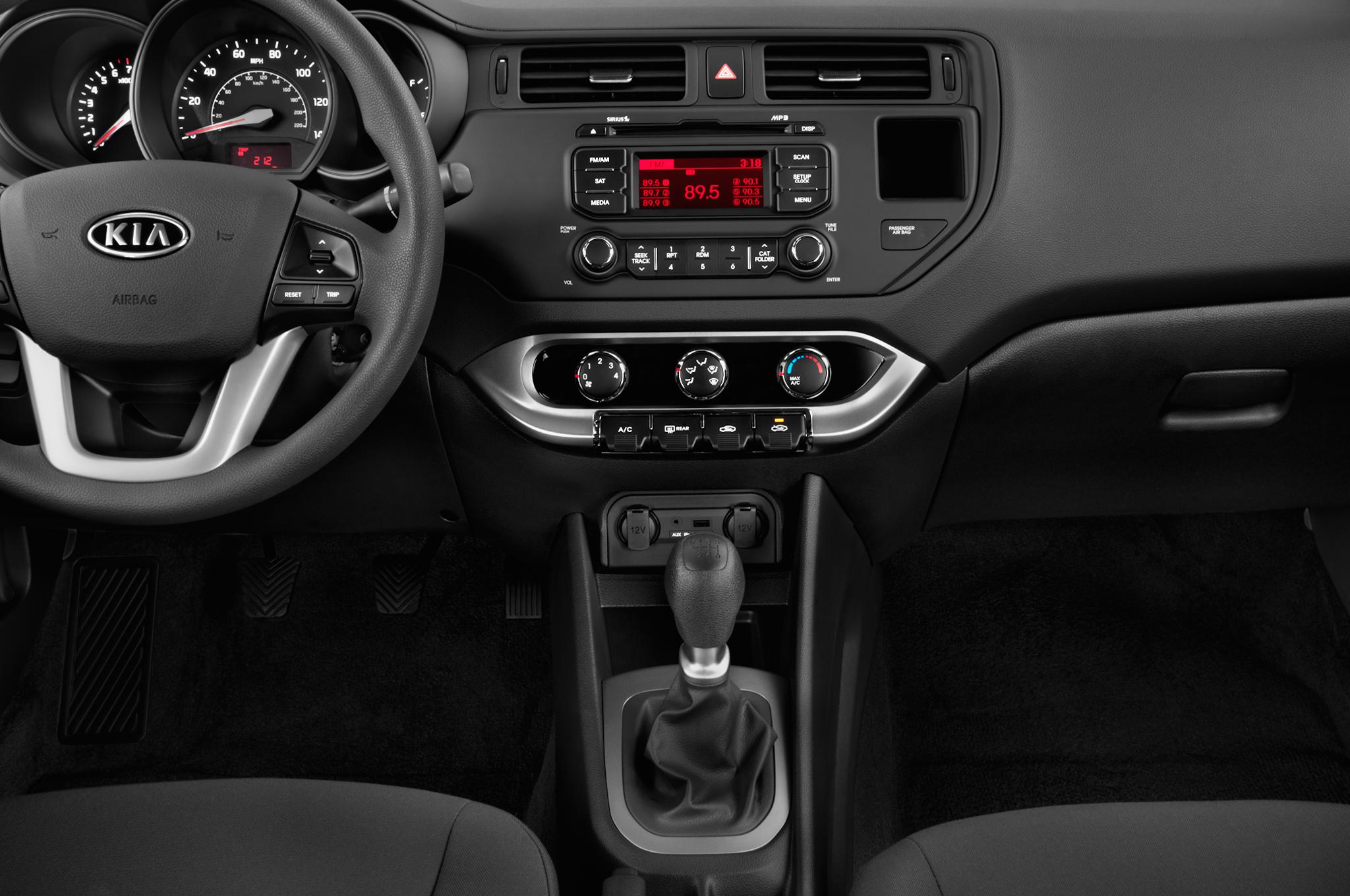 Kia Rio III 2011 - 2015 Sedan #3