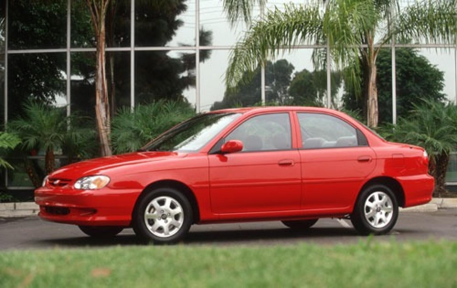 Kia Sephia II Restyling 2001 - 2004 Sedan #1