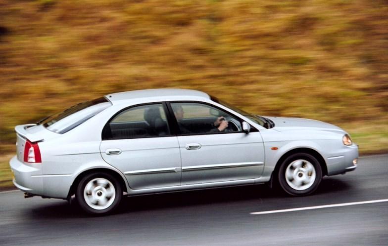 Kia Shuma II 2001 - 2004 Liftback #3