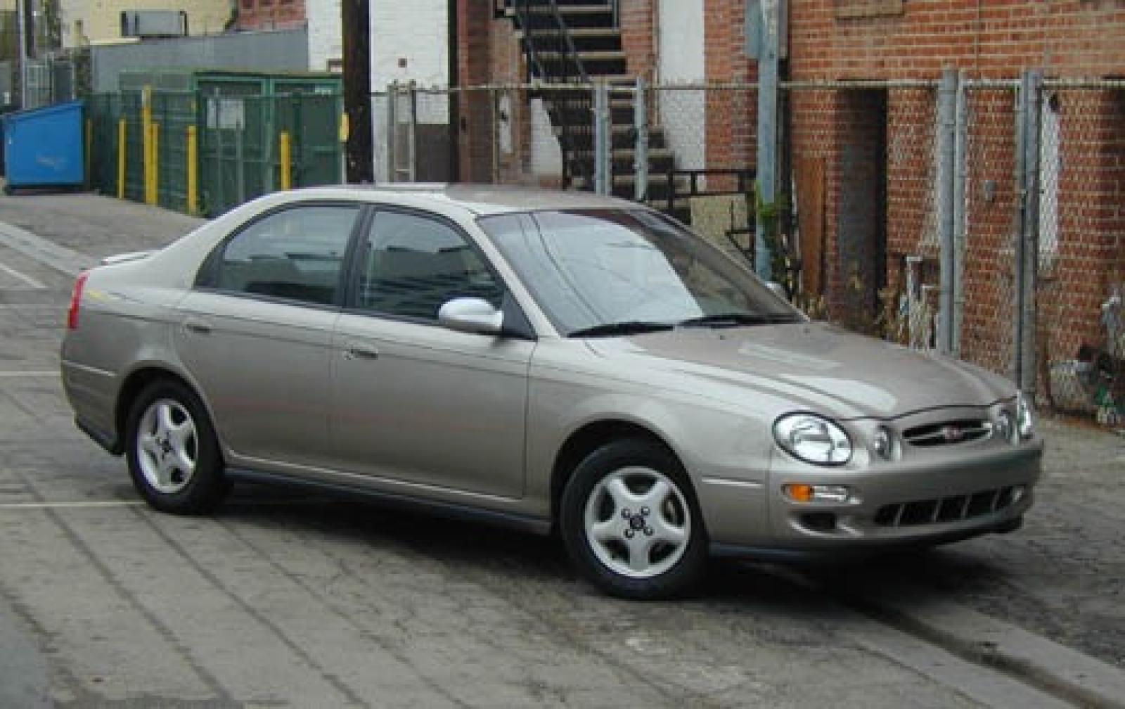 Kia Spectra I 2000 - 2001 Liftback #2