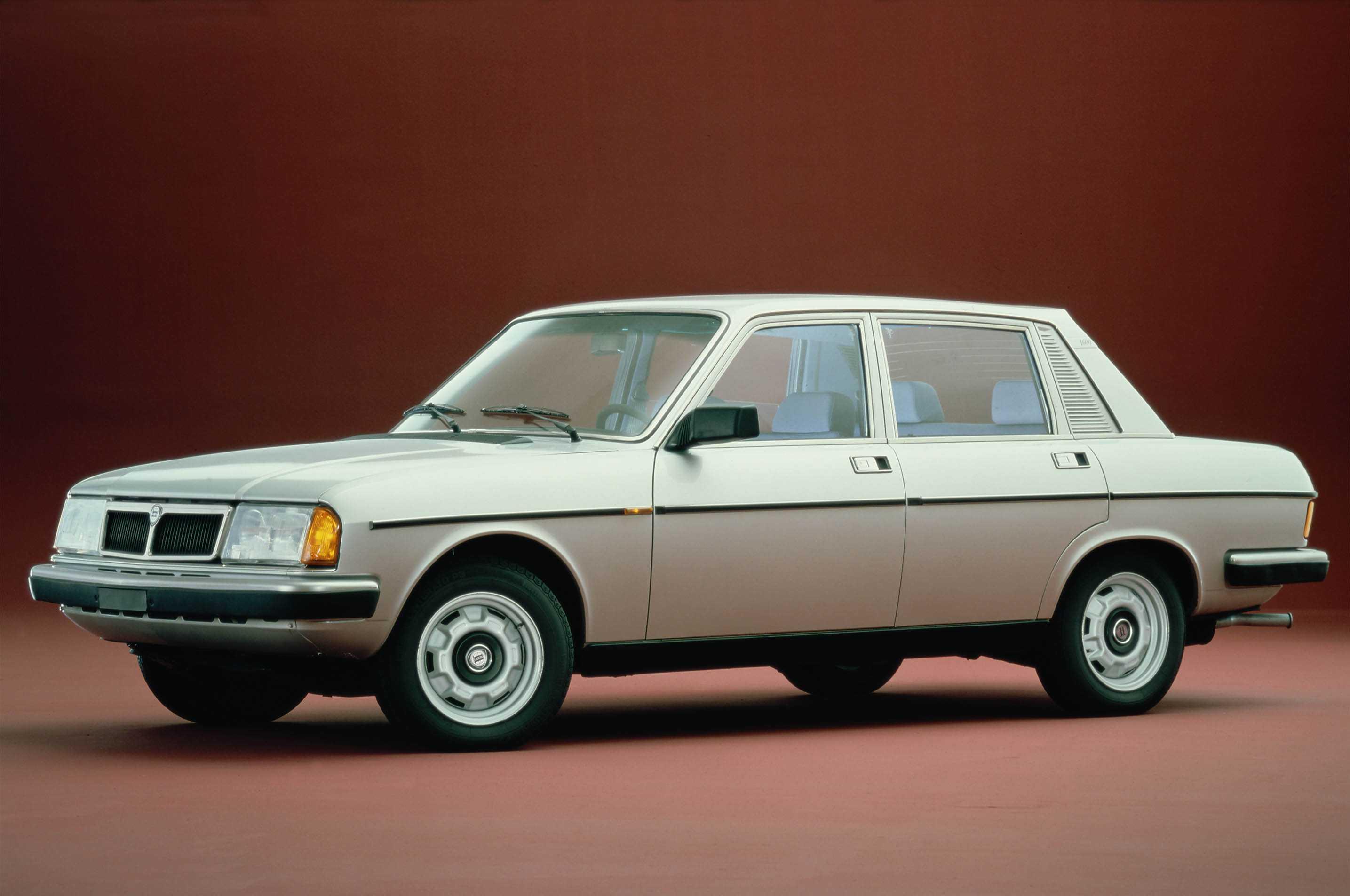 Lancia Trevi 1980 - 1984 Sedan #4