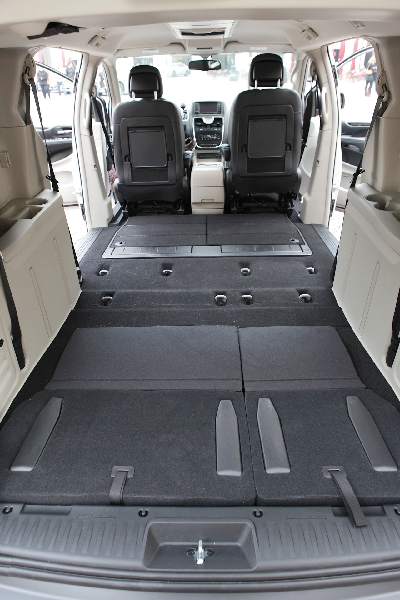 Lancia Voyager 2011 - 2015 Minivan #6
