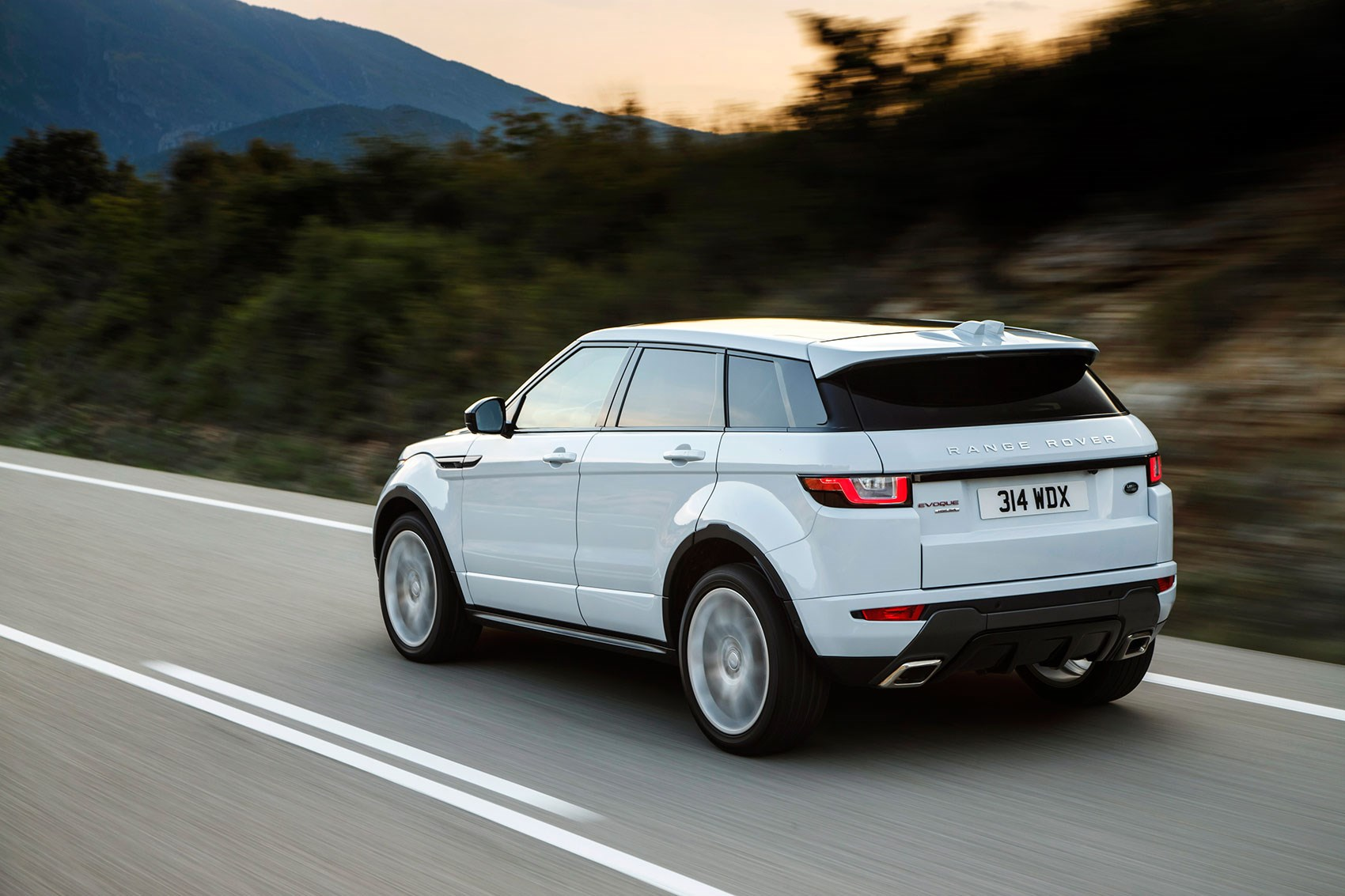 Land Rover Range Rover IV Restyling 2017 - now SUV 5 door #3