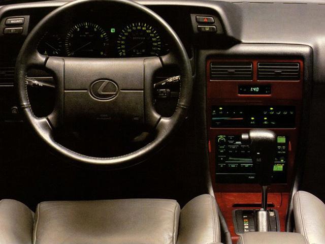 Lexus ES I 1989 - 1991 Sedan #3