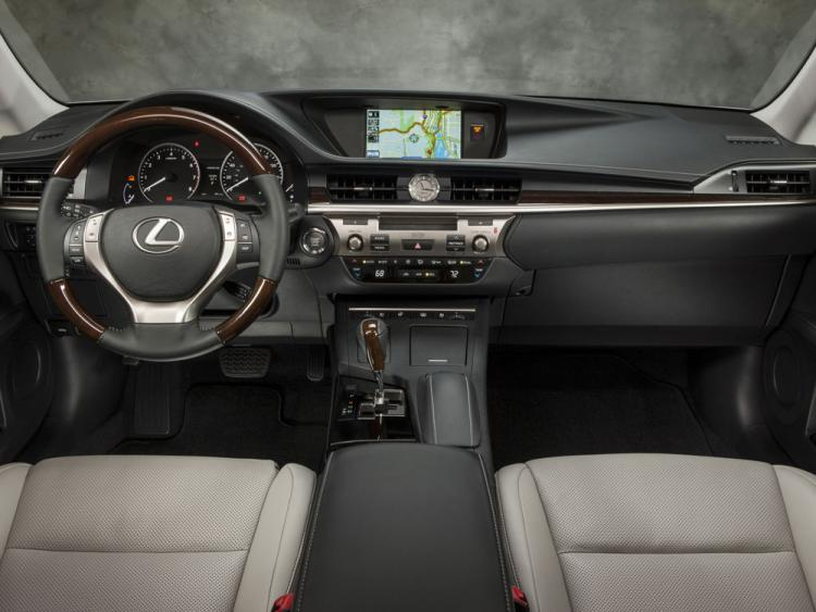 Lexus ES VI Restyling 2015 - now Sedan #8