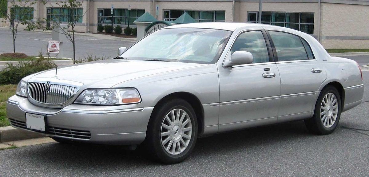 Lincoln Town Car III 1997 - 2003 Sedan #8