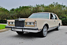 Lincoln Town Car I 1980 - 1989 Coupe #2