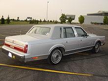 Lincoln Town Car I 1980 - 1989 Sedan #1