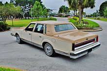Lincoln Town Car I 1980 - 1989 Coupe #1