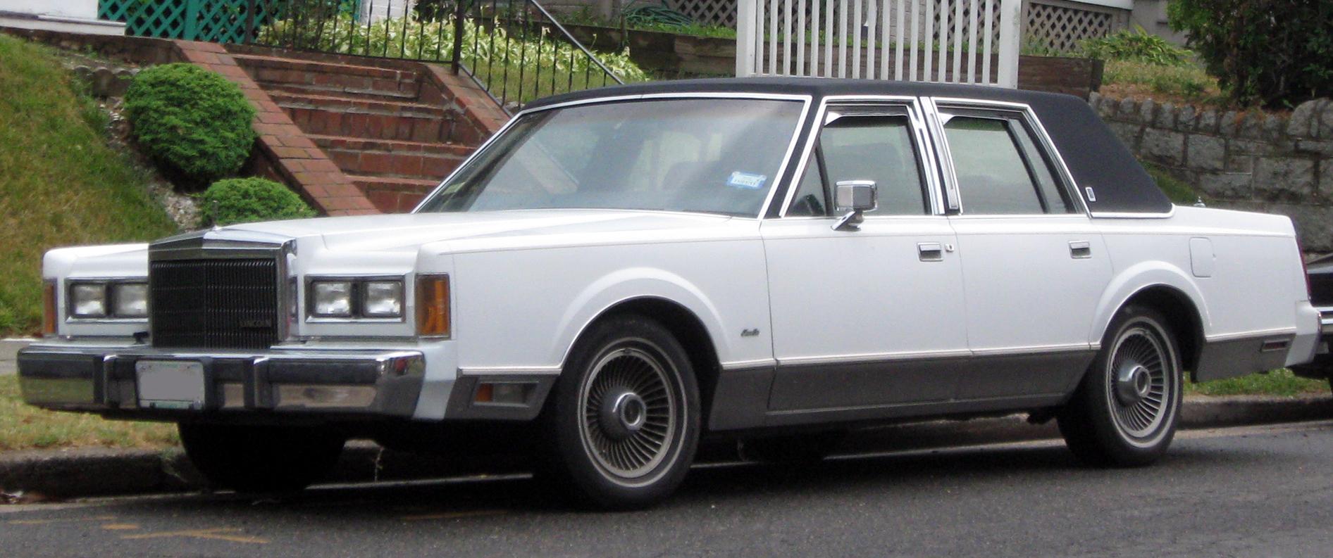 Lincoln Town Car I 1980 - 1989 Sedan #4