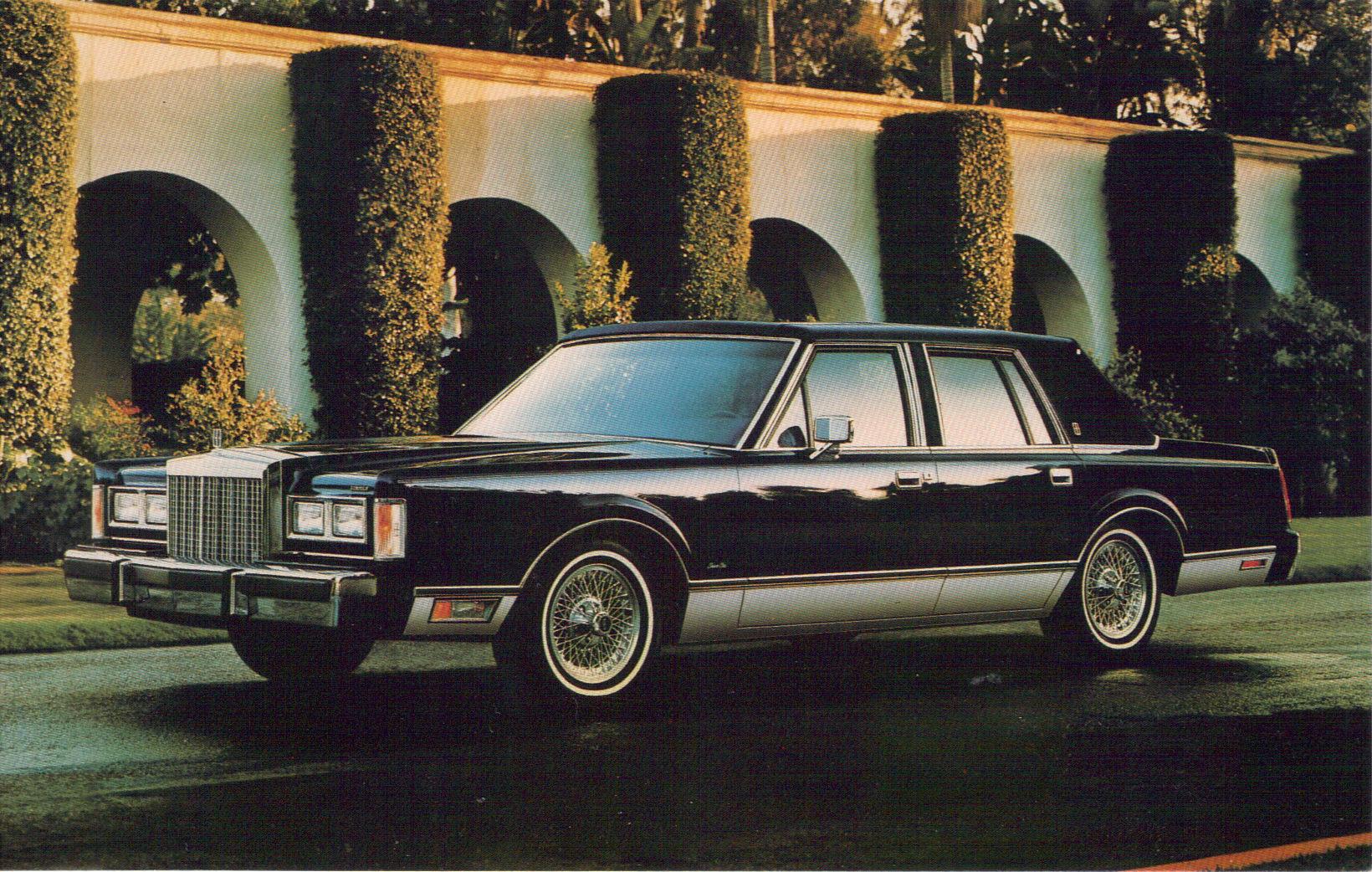 Lincoln Town Car I 1980 - 1989 Sedan #2