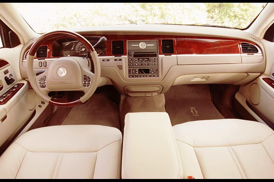 Lincoln Town Car III 1997 - 2003 Sedan #5