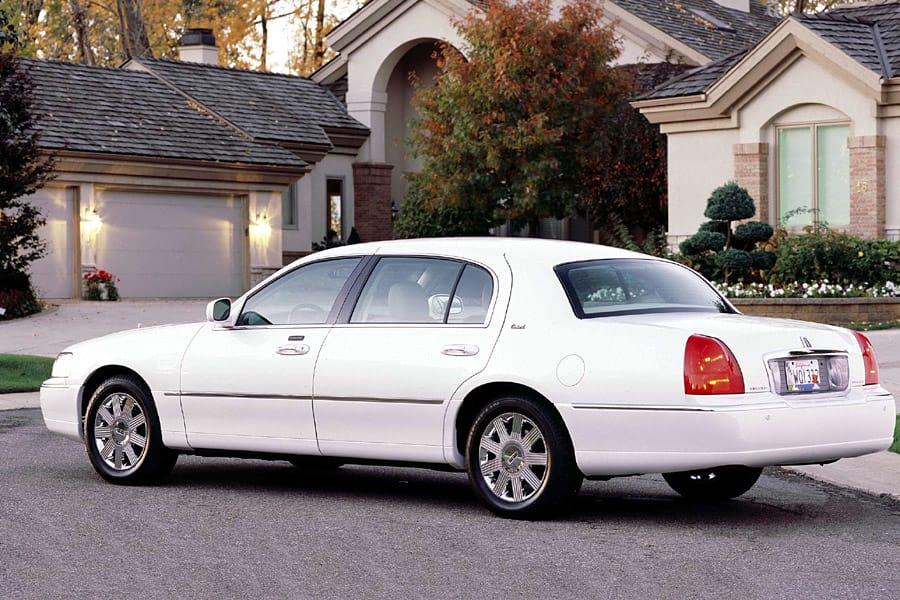 Lincoln Town Car III 1997 - 2003 Sedan #7