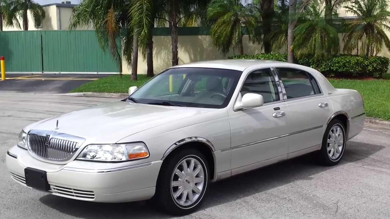 Lincoln Town Car III 1997 - 2003 Sedan #2