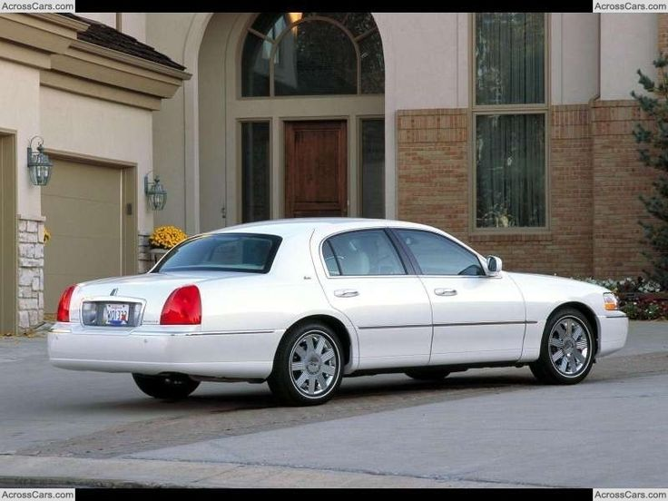 Lincoln Town Car III Restyling 2003 - 2011 Sedan #6
