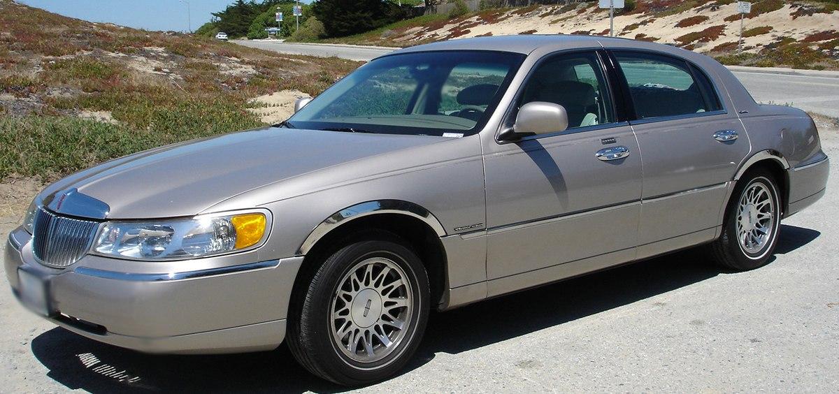 Lincoln Town Car III Restyling 2003 - 2011 Sedan #2