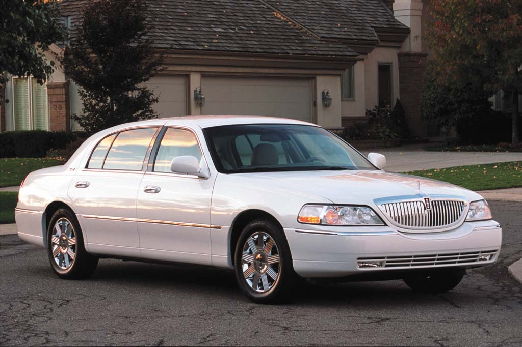 Lincoln Town Car III Restyling 2003 - 2011 Sedan #7