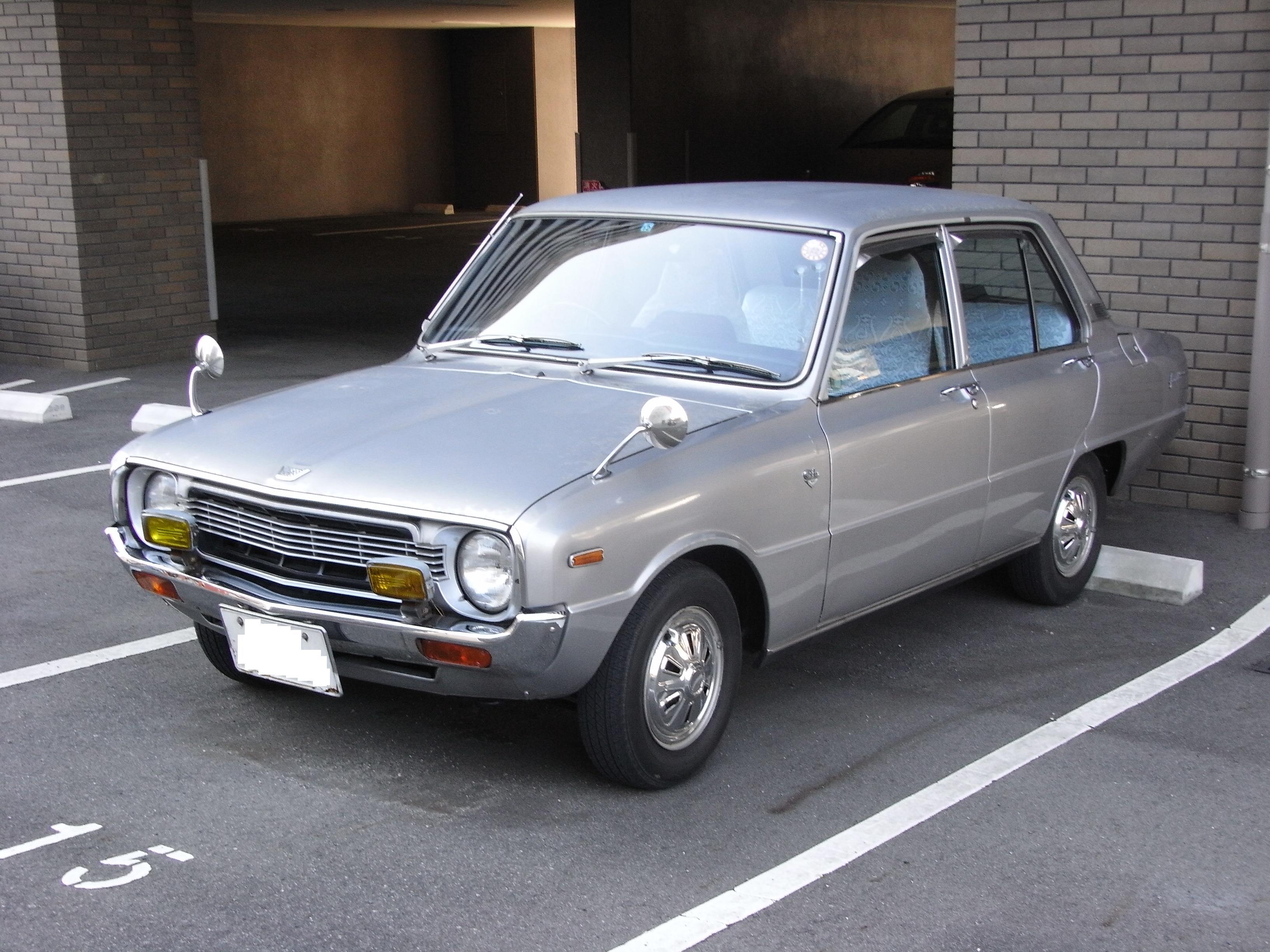 Mazda 1300 1975 - 1977 Sedan #3