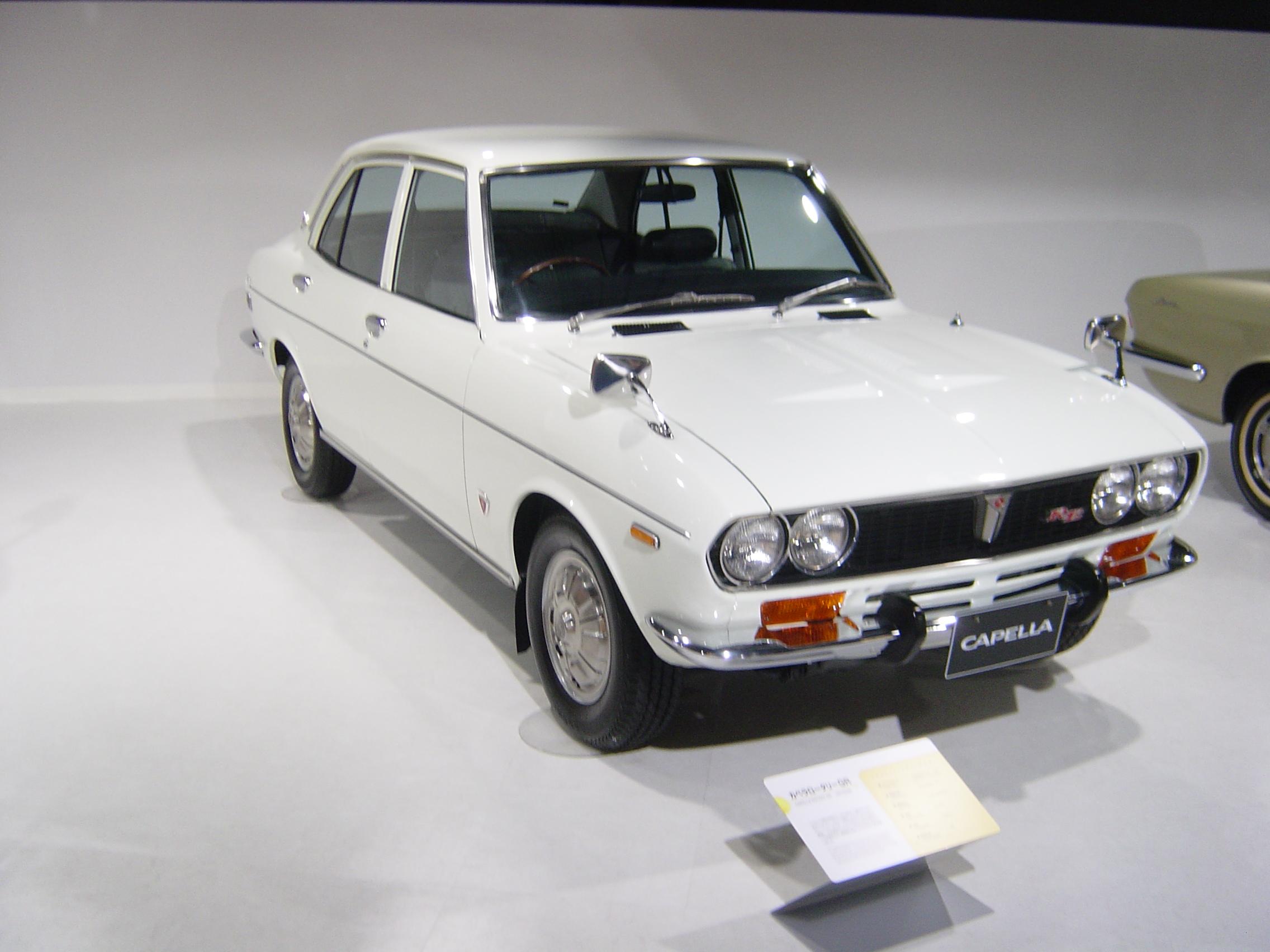 Mazda 616 1970 - 1978 Sedan #2