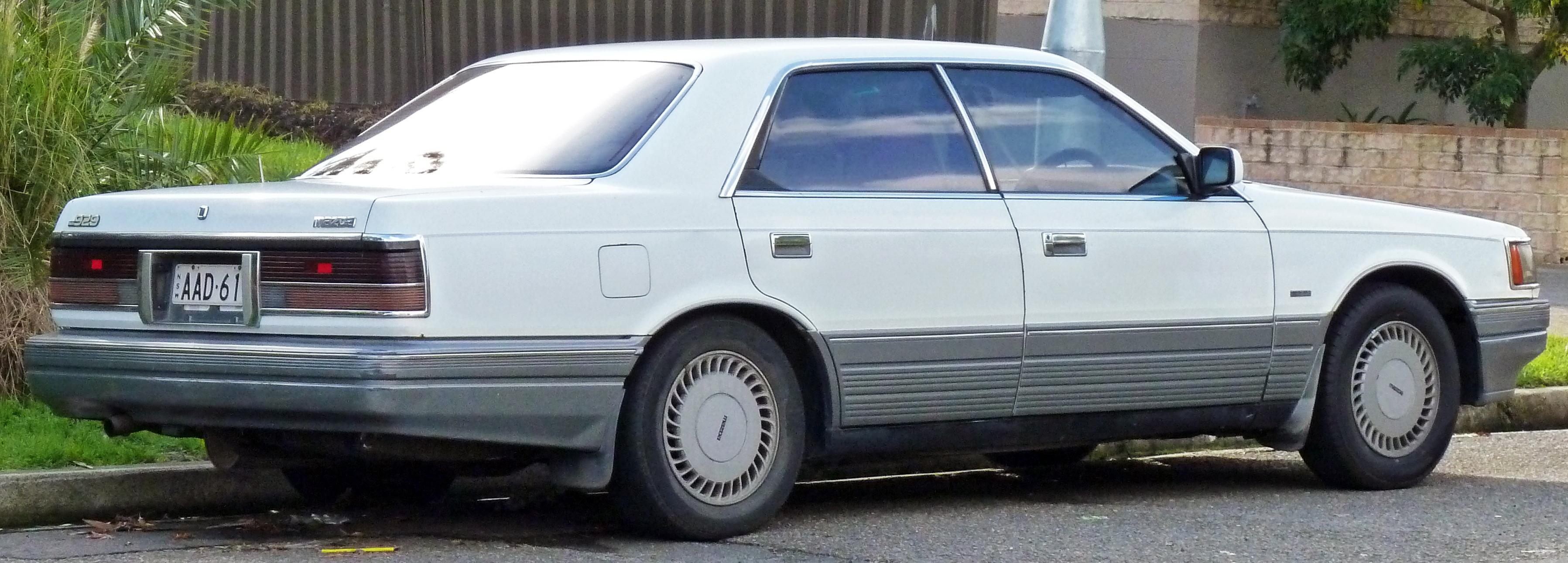 Mazda Luce V 1986 - 1990 Sedan #1