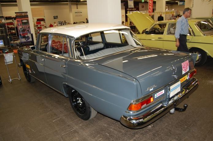 Mercedes-Benz W110 Second Series 1965 - 1968 Sedan #7