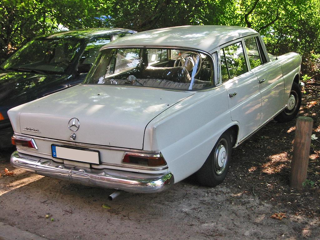 Mercedes-Benz W110 Second Series 1965 - 1968 Sedan #6