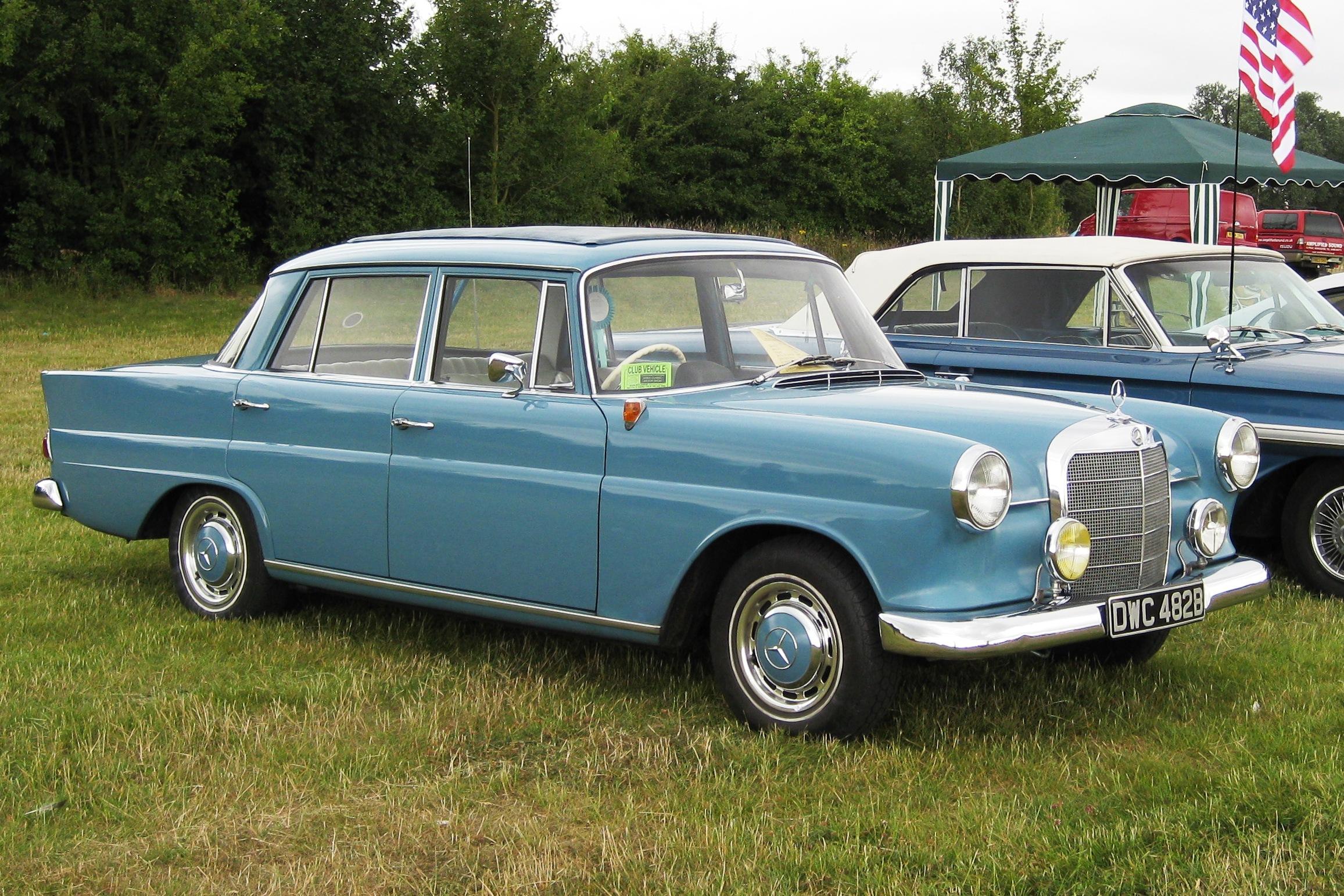 Mercedes-Benz W110 Second Series 1965 - 1968 Sedan #5
