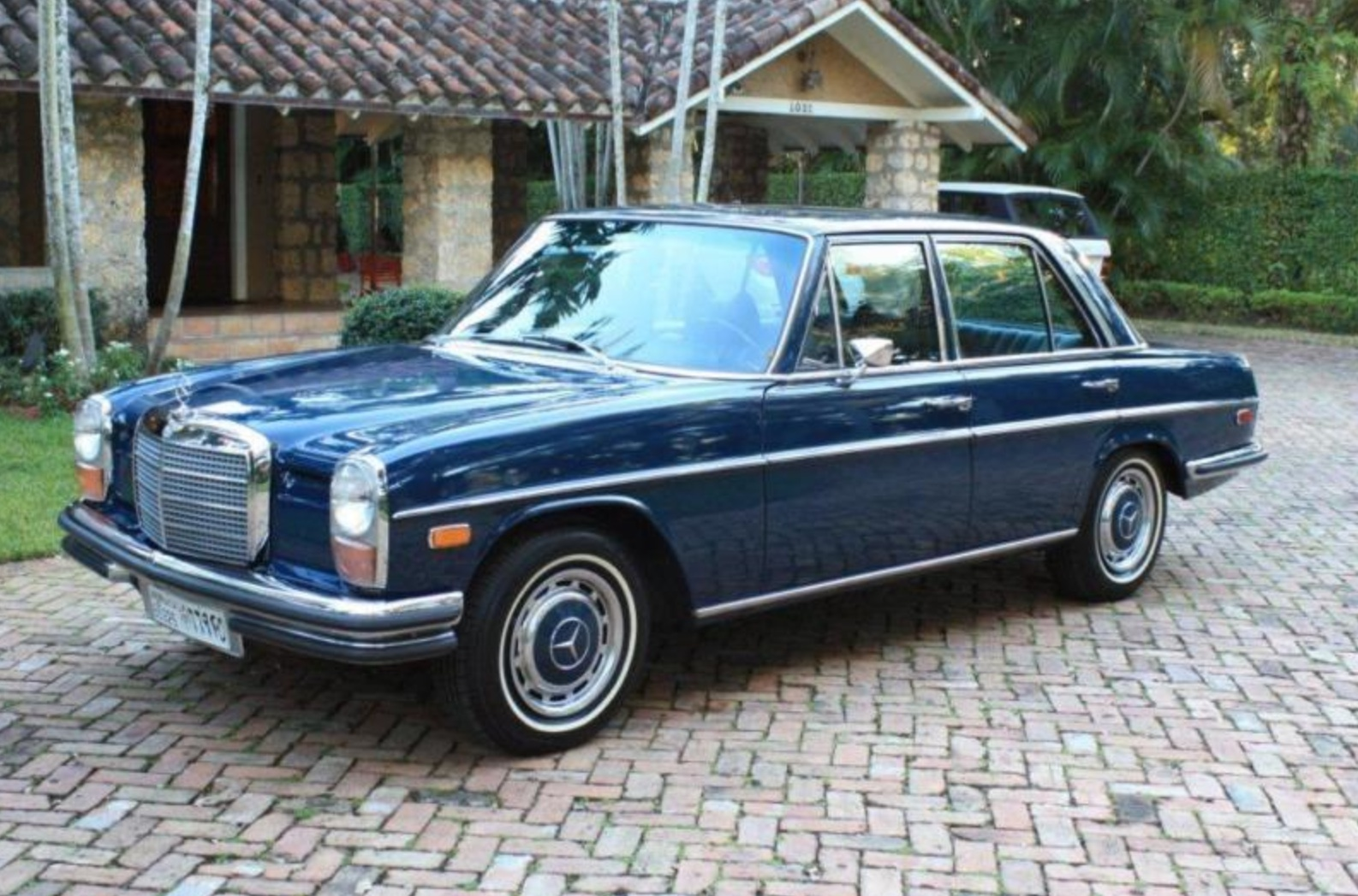 Mercedes-Benz W114 1967 - 1977 Coupe #2