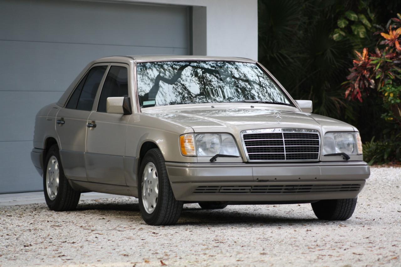 Mercedes-Benz W124 1984 - 1994 Sedan #2