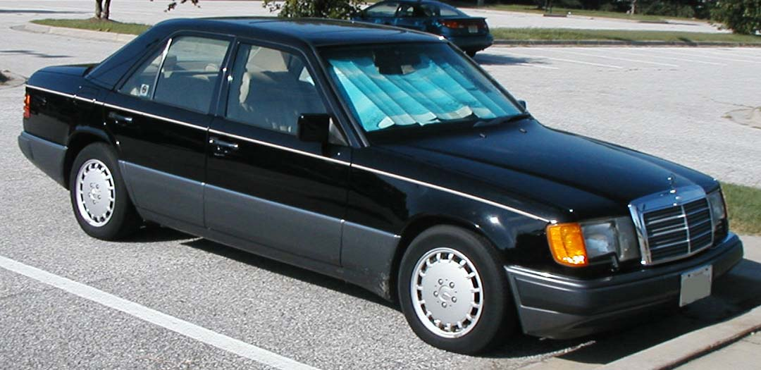 Mercedes-Benz W124 1984 - 1994 Sedan #1