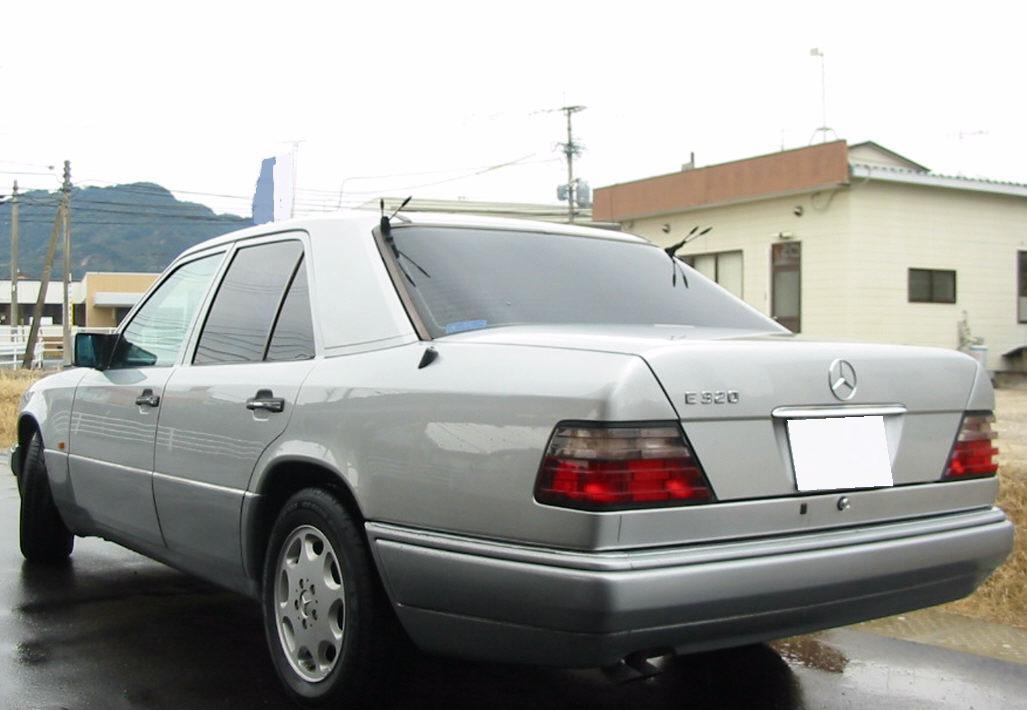 Mercedes-Benz W124 1984 - 1994 Sedan #6