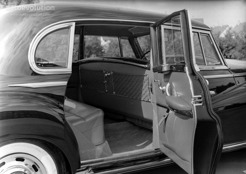 Mercedes-Benz W186 1951 - 1957 Sedan #5