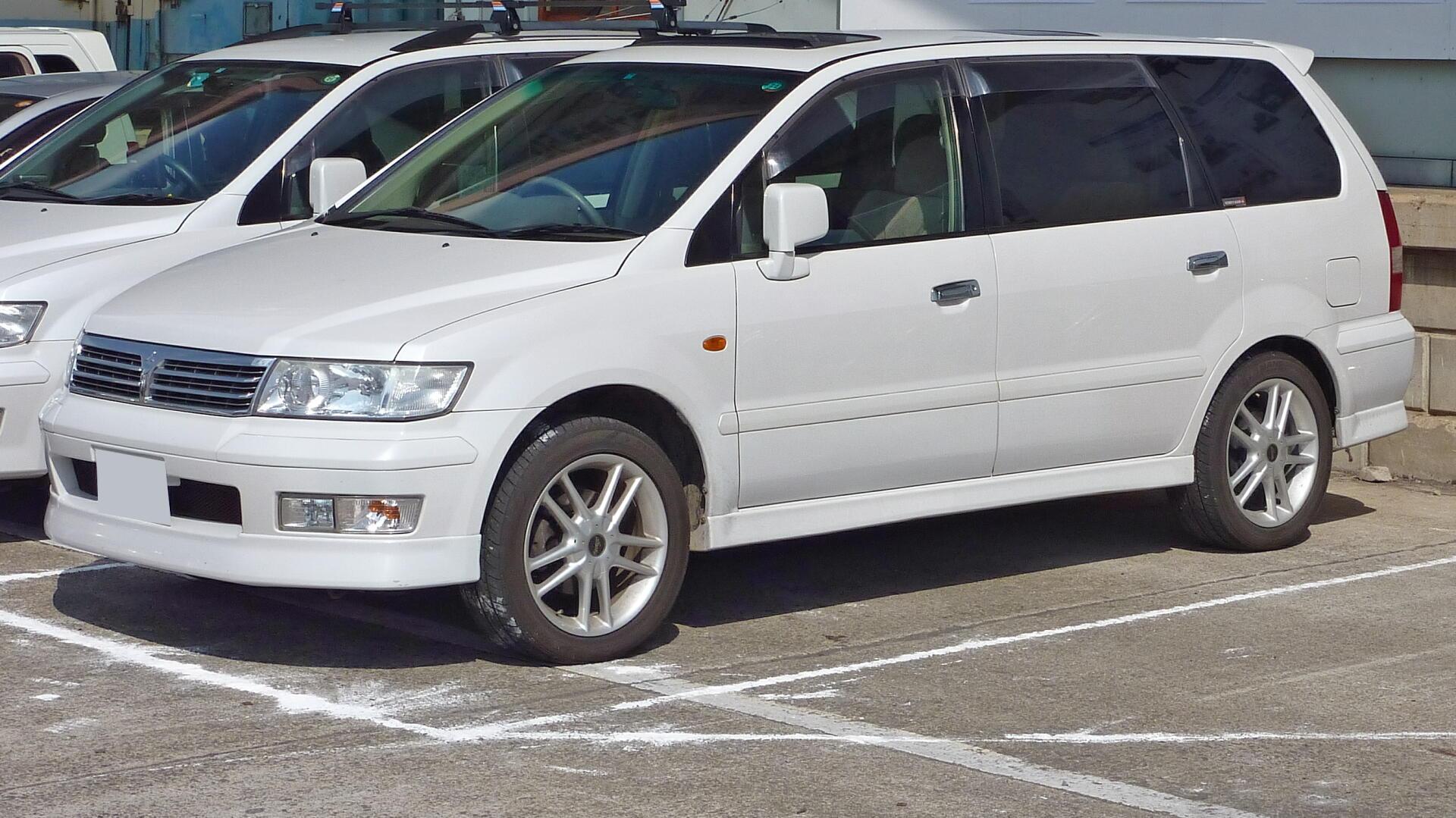 Mitsubishi Chariot III 1997 - 2003 Compact MPV #5