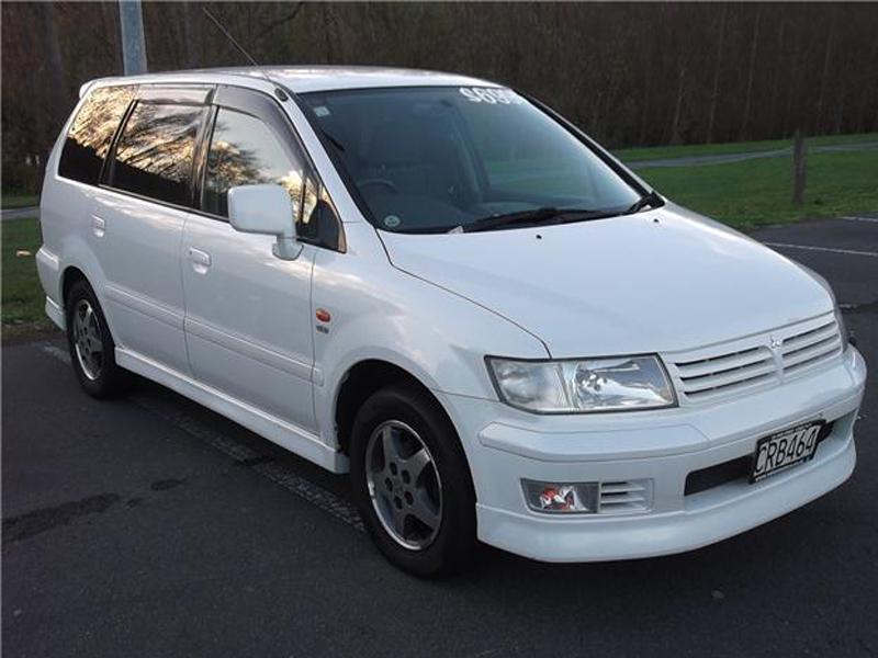 Mitsubishi Chariot III 1997 - 2003 Compact MPV #6