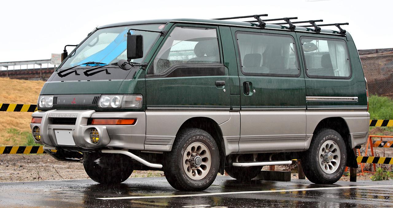 Mitsubishi Savrin I 2001 - 2014 Minivan #6