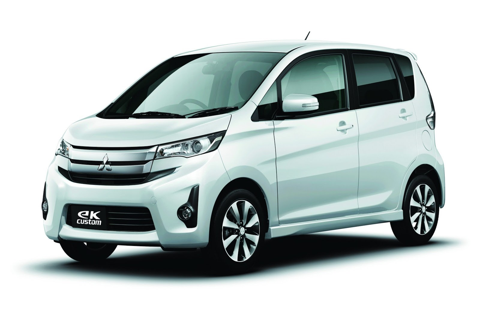 Mitsubishi eK Custom I 2013 - 2015 Hatchback 5 door #7