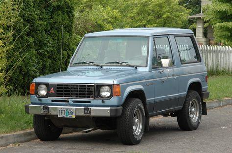 Mitsubishi Montero I 1982 - 1991 SUV 3 door #1
