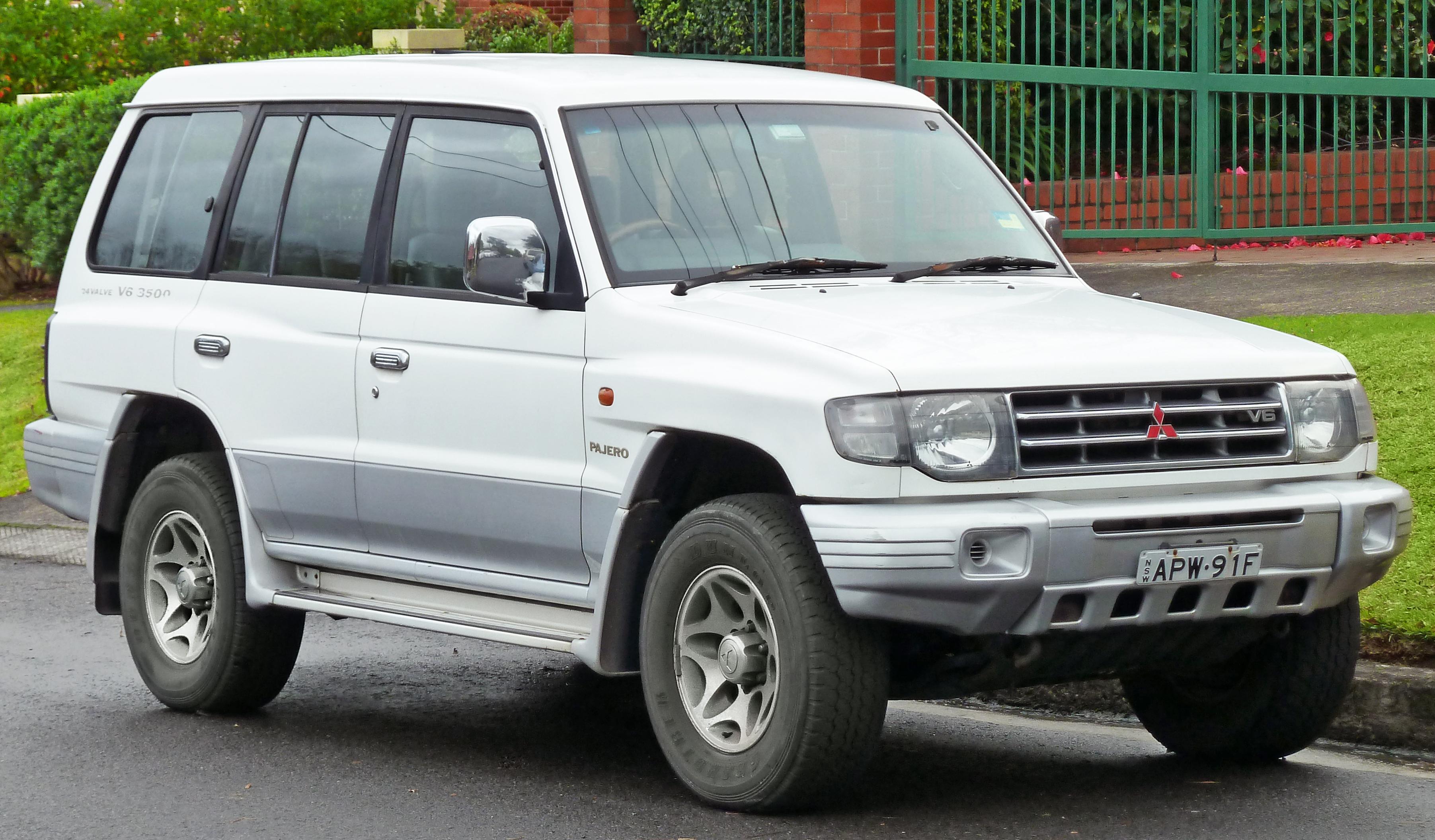 Mitsubishi Pajero II Restyling 1997 - 1999 SUV 5 door #5