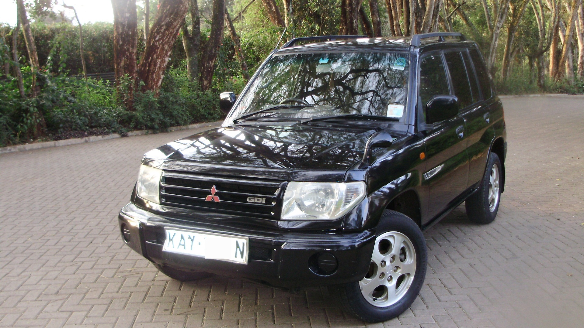 Mitsubishi Pajero iO 1998 - 2007 SUV 5 door #5