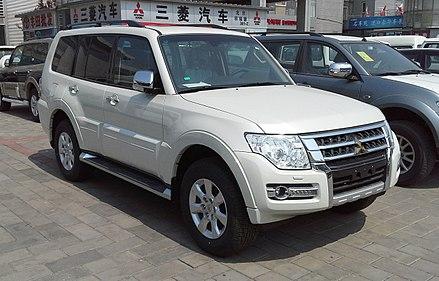 Mitsubishi Pajero IV Restyling 2 2014 - now SUV 5 door #3