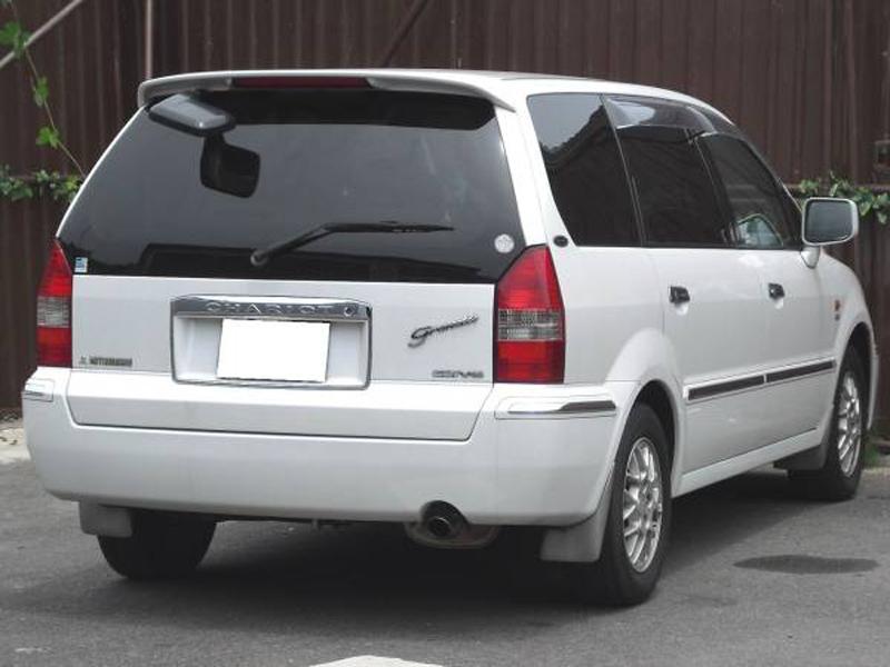 Mitsubishi Savrin I 2001 - 2014 Minivan #1