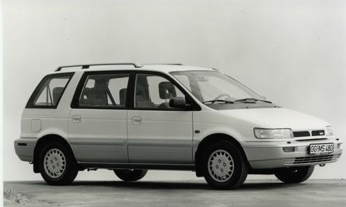 Mitsubishi Space Runner I 1991 - 1999 Compact MPV #8
