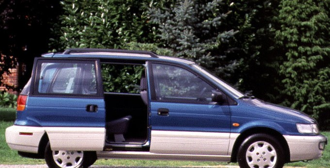 Mitsubishi Space Runner I 1991 - 1999 Compact MPV #2