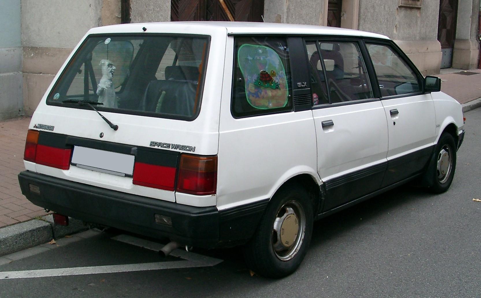 Mitsubishi Space Wagon I 1983 - 1991 Compact MPV #4