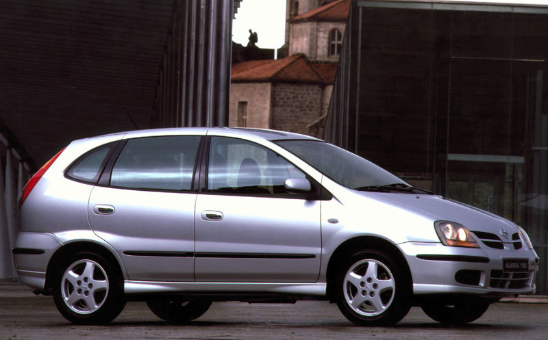 Nissan Almera Tino I 2000 - 2003 Compact MPV #2