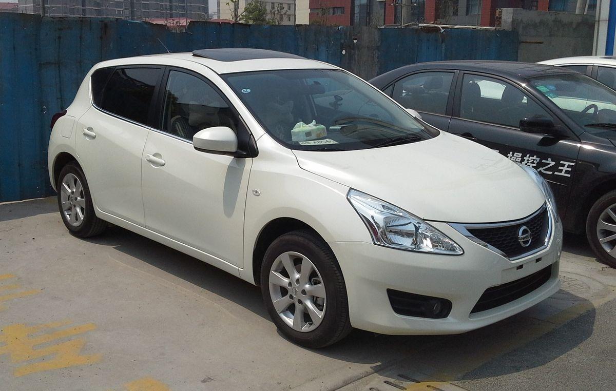 Nissan Tiida I 2004 - 2012 Hatchback 5 door #7